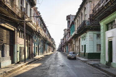 Empty street at the old town, Havana, Cuba - HSIF00624