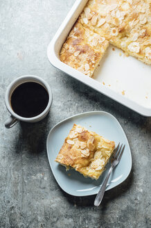 Butterkuchen, yeast dough with almond, sugar and butter topping - IPF00522