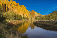 River winding through canyon, Bend, Oregon, United States, - BLEF04097