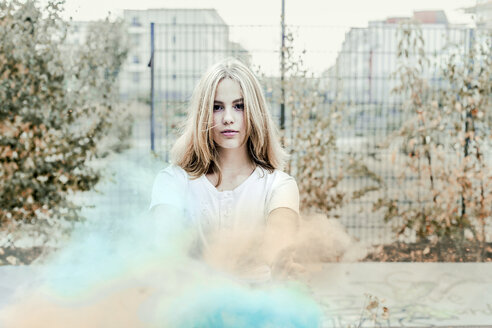 Girl with Holi powder colours, Germany - VGPF00025