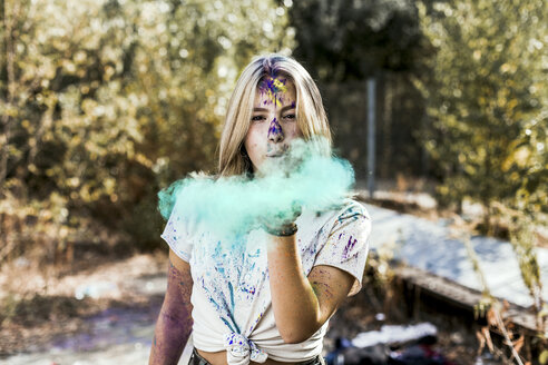 Girl with Holi powder colours, Germany - VGPF00031