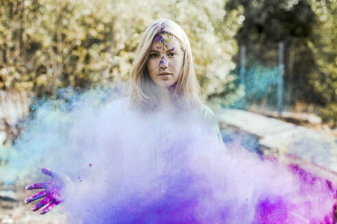 Girl with Holi powder colours, Germany - VGPF00034