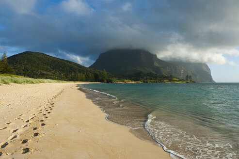 Deserted beach with Mount Lidgbird and Mount Gower in the background on Lord Howe Island, New South Wales, Australia - RUNF02179