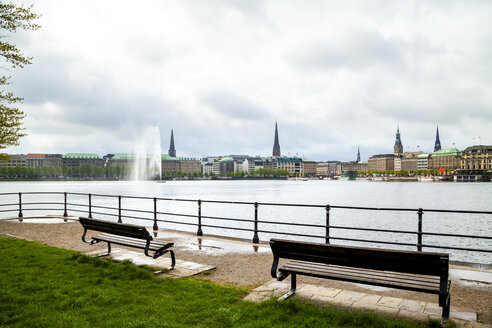 City view with Inner Alster in the foreground, Hamburg, Germany - PUF01532