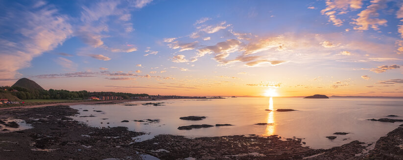 Sunset over the east bay, Firth of Forth, North Berwick, East Lothian, Scotland - SMAF01249