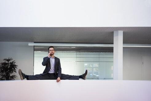 Deutschland, Rechlinghausen, Business, Büro, Plandid, Mann, 37 Jahre, Tänzer, Sportler - MOEF02182