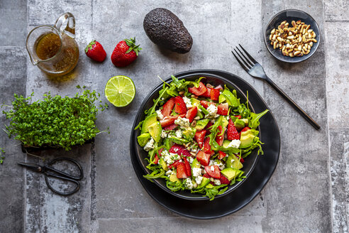Strawberry avocado salad with feta, rocket, pine nuts and cress - SARF04291