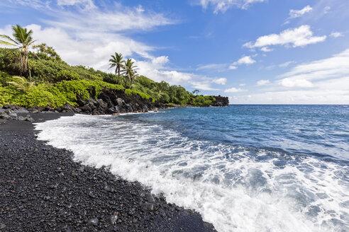 Black Sand Beach, Waianapanapa State Park, Maui, Hawaii, USA - FOF10824