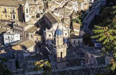 View from Ragusa Superiore to Ragusa Ibla with church Santa Maria dell'Itria, Ragusa, Sicily, Italy - MAMF00748