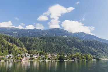 Houses at lakeshore, Millstatt Lake, Carinthia, Austria - GWF06080