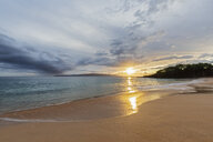 Big Beach at sunset, Makena Beach State Park, Maui, Hawaii, USA - FOF10837