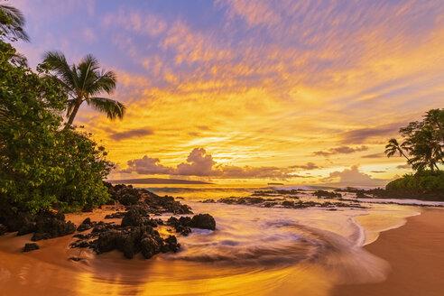 Secret Beach at sunset, Maui, Hawaii, USA - FOF10867