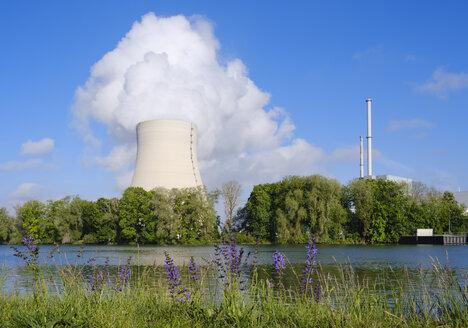 Isar Nuclear Power Plant, Niederaichbach reservoir, near Landshut, Bavaria, Germany - SIEF08656