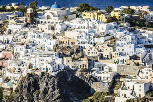 Aerial view of city built on hilltop, Santorini, Egeo, Greece - MINF12033