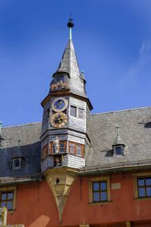 Monduhr am Lanzentürmchen, Neues Rathaus, Ochsenfurt, Mainfranken, Unterfranken, Franken, Bayern, Deutschland, - LBF02587