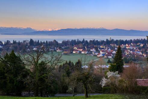 Ausblick über Bad Schachen auf das Appenzeller Land und den Säntis, Hoyerberg, Bodensee, Lindau - Bodensee, Schwaben, Bayern, Deutschland, - LBF02592