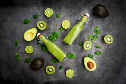 Green smoothie with avocado, spinach, kiwi and lime, coconut flakes and black sesame - LVF08103