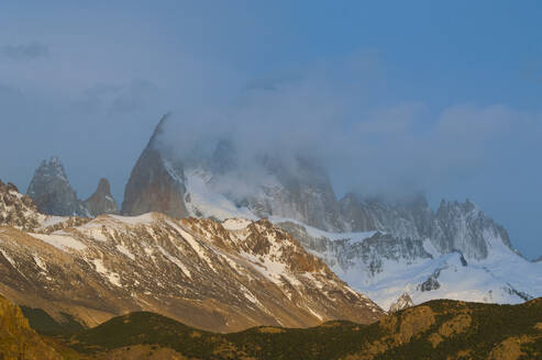 View of Mount Fitz Roy near El Chalten at sunrise, Patagonia, Argentina, South America - RUNF02734