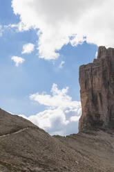 Hiking trail, Tre Cime di Lavaredo, Nature Park Tre Cime, Unesco World Heritage Natural Site, Sexten Dolomites, Italy - GWF06121