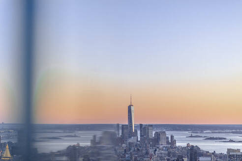 Skyline at sunset with One World Trade Center, Manhattan, New York City, USA - MMAF01016