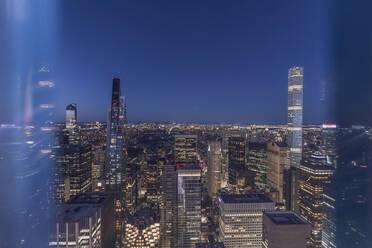 Skyline at blue hour with 432 Park Avenue skyscraper, Manhattan, New York City, USA - MMAF01031
