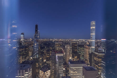 Skyline at blue hour with 432 Park Avenue skyscraper, Manhattan, New York City, USA - MMAF01031