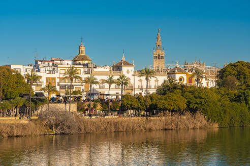 Cityscape with Guadalquivir river, Cathedral of Seville with La Giralda, Seville, Spain - TAMF01565