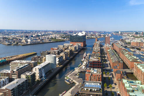 Cityscape with Hafencity, Speicherstadt and Elbphilharmonie, Hamburg, Germany - TAMF01649