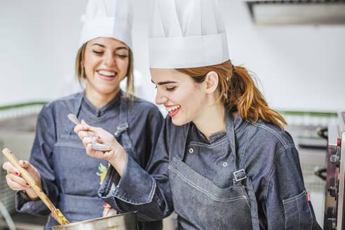 cooking/SPAIN/GRANADA/ORGIVA - LJF00156
