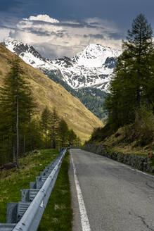 Passstraße Penser Joch, Südtiroler Alpen, Südtirol, Italien - STSF02052
