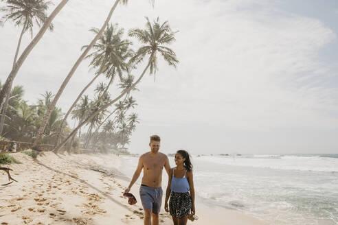 Spaziergang am Palmenstrand, Turtle Beach, Sri Lanka, Südprovinz, Unawatuna - LHPF00720