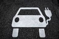 Symbol for a charging ststion for electric vehicles on tarmac - MAMF00780