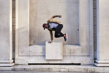 Mid adult man jumping - IGGF01226