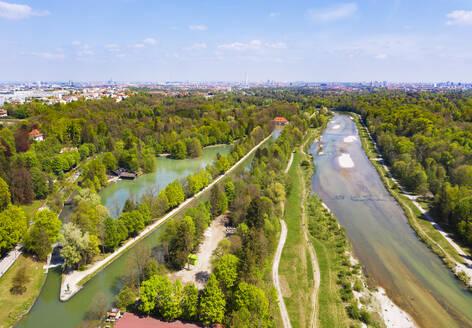 Germany, Upper Bavaria, Munich, LakeHinterbruhler and Isar river - SIEF08735