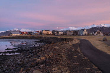 Iceland, South Iceland, Hofn at sunrise in winter - TAMF01741