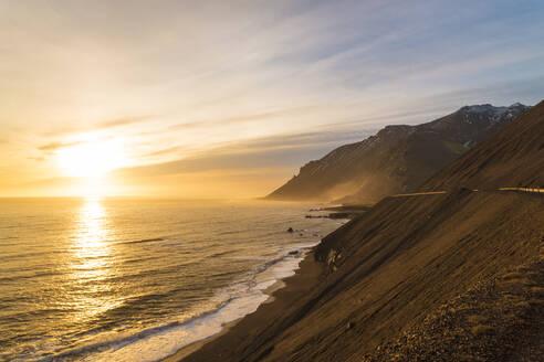 Iceland, South Eastern Iceland, Stokksnes, Klifatindur Vestrahorn early morning - TAMF01744