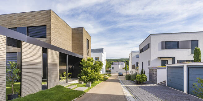 Germany, Baden-Wurttemberg, Esslingen, New energy efficient residential houses - WDF05330
