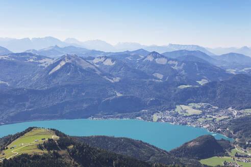 Austria, Alps, Salzburg, Salzkammergut, Salzburger Land, view of Wolfgangsee, St. Gilgen and alps from Schafberg (Watzmann mountain left in distance, Schafberg is a very popular sightseeing spot with historic Zahnradbahn) - GWF06162