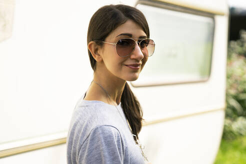 Young woman wearing sunglasses - TWOF00014