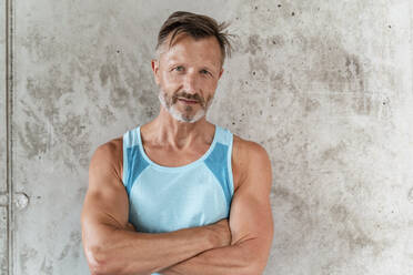 Portrait of a sporty confident man - DIGF07542