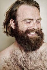 Caucasian man smiling - BLEF10877