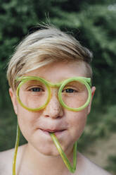 Portrait of freckled boy with funny glasses - VPIF01392