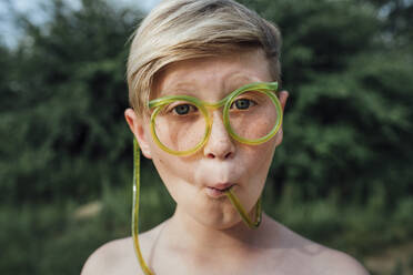 Portrait of freckled boy with funny glasses - VPIF01395