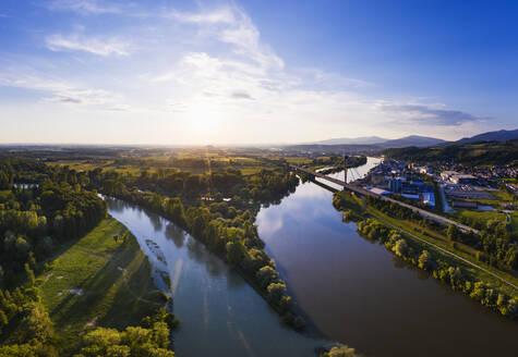 Mündung der Isar in die Donau, Isarmündung, Donaubrücke Deggenau, Hafen Deggendorf, Luftbild, Niederbayern, Bayern, Deutschland - SIEF08811