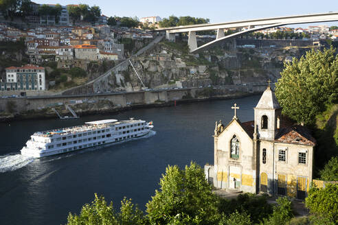 View from Gaia to Douro river with cruise ship, Porto, Portugal - FCF01788