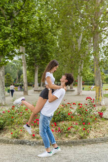 Italy, Tuscany, Florence, Young Couple at the Park - MGIF00624