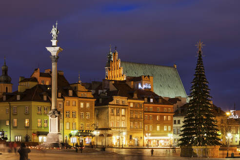 Old Town at Christmas at night, Warsaw, Poland - ABOF00423