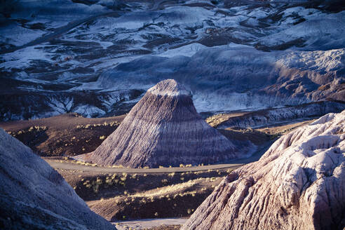 Multicolor rock formations in remote landscape, Petrified Forest National Park, Arizona, United States - BLEF13103