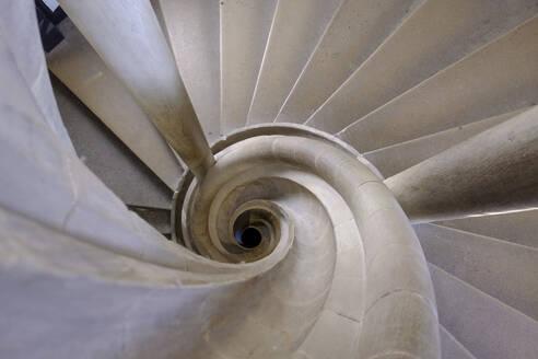 geschwungen Treppe im Rathaus, Rothenburg ob der Tauber, Mittelfranken, Franken, Bayern, Deutschland - LBF02663