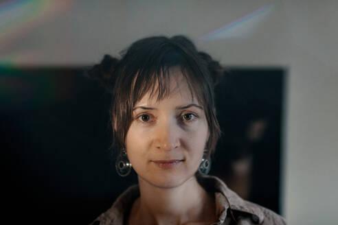 Portrait of a female artist in her studio - OGF00096